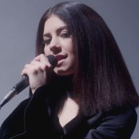 "Lollapalooza 2015: Marina and the Diamonds lança videoclipe para a faixa ""Forget"""