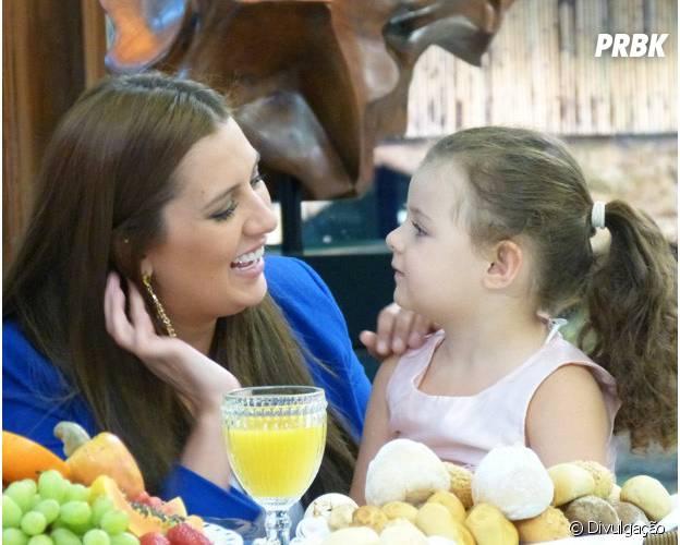 """Tamires, do """"BBB15"""", se diverte com filha no """"Mais Você"""", da Globo"""