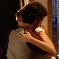 """Em """"Sete Vidas"""": Júlia (Isabelle Drummond) e Pedro se encontram e rola clima"""