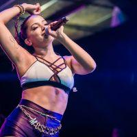 Anitta planeja festa de arromba para comemorar seu aniversário de 22 anos!
