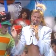 """Xuxa e o canudo no """"Xou da Xuxa"""": viral mostra apresentadora em brincadeira com baixinhos!"""