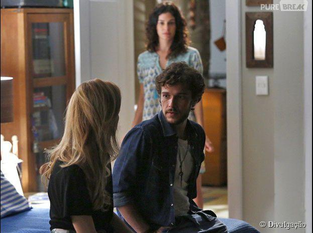 "Pedro (Jayme Matarazzo) diz que sente falta de Júlia (Isabelle Drummond) e Taís (Maria Flor) vê tudo em ""Sete Vidas"""