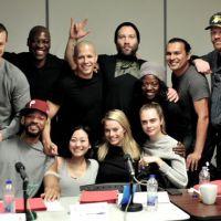 """De """"Esquadrão Suicida"""": sem Jared Leto, elenco do filme se reúne em nova foto de bastidores"""