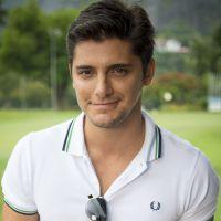 """Bruno Gissoni, de """"Babilônia"""", comenta rivalidade com Chay Suede na trama: """"Guto pega no pé!"""""""