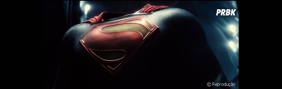 """Recentemente, o primeiro teaser oficial de """"Batman V Superman: A Origem da Justiça"""" também foi divulgado pela Warner"""