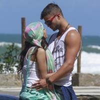 """Anitta grava clipe de sua nova música romântica e dedica ao ex: """"Ele merece!"""""""