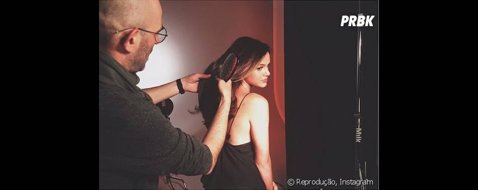 Bruna Marquezine foi maquiada pelo hair stylist Jean-Luc Amarin
