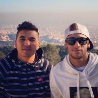 Longe de Bruna Marquezine, Neymar curte Barcelona em companhia de amigo