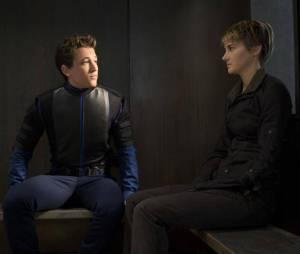 """Os fãs de """"Divergente"""" mal podem esperar pelas sequências """"Convergente - Parte 1"""" e """"Parte 2"""""""