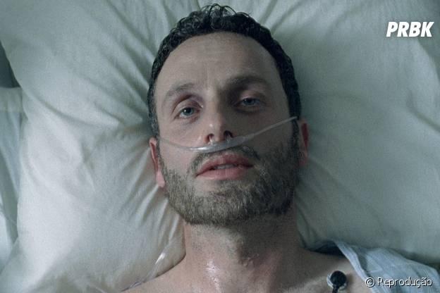 """Rick (Andrew Lincoln) acordou do seu coma na 1ª temporada de """"The Walking Dead"""" e encontrou outro mundo"""