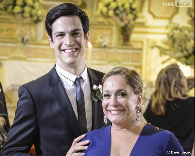 """Pilar (Susana Vieira) perdoa Félix (Mateus Solano) e chama ele para voltar à casa da família em """"Amor à Vida"""""""