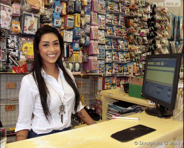 """Amanda Djehdian, do """"Big Brother Brasil 15"""", volta a sua própria loja pela primeira vez pós confinamento"""