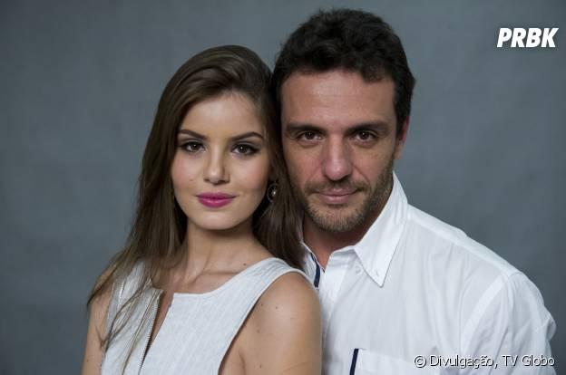 """Em """"Verdades Secretas"""", Angel (Camila Queiroz) e Alex (Rodrigo Lombardi) vão se encantar um pelo outro"""