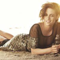 """Namoro de Kristen Stewart com outra mulher tem aprovação da mãe da atriz: """"Ela está feliz"""""""