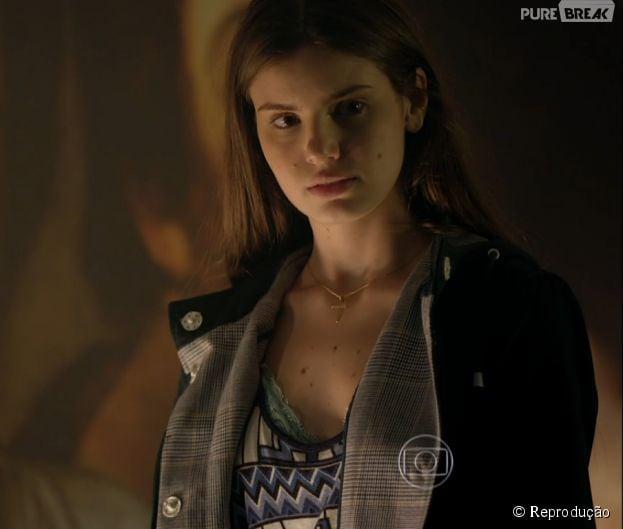 """Em """"Verdades Secretas"""", Angel (Camila Queiroz) vai parar na delegacia depois de confusão"""