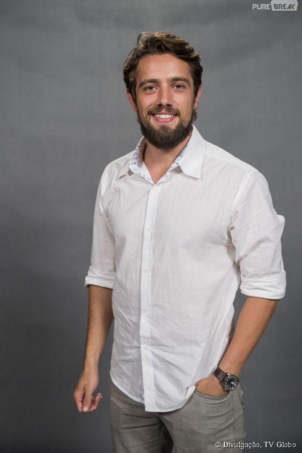 """Rafael Cardoso é o mocinho Felipe em """"Além do Tempo"""""""