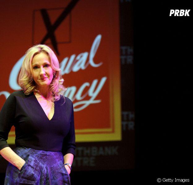 """J.K. Rowling afirma que história de """"Harry Potter"""" vai continuar sendo contada em peças de teatro"""