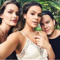Bruna Marquezine e Yasmin Brunet aparecem sensuais e irresistíveis em ensaio fotográfico picante