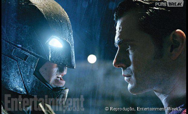 """Os super-heróis Batman (Affleck) e Superman (Henry Cavill) vão se estranhar em """"Batman V Superman: A Origem da Justiça"""""""