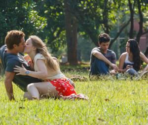 """Em """"Confissões de Adolescente"""", Malu Rodrigues faz par romântico com o galã de """"Malhação"""", Christian Monassa!"""