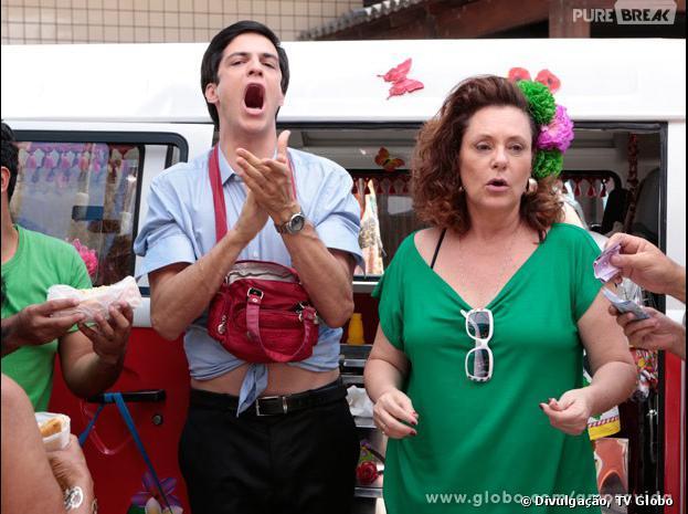 """Oi?! Como assim um presidente de hospital vira vendedor de hot-dog? Pois é, isso aconteceu com Félix (Mateus Solano) em """"Amor à Vida""""!"""