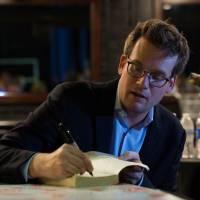 "John Green, autor de ""Cidades de Papel"", assina acordo de exclusividade com a Fox"