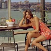 Gisele Bündchen posa sensual para campanha de marca brasileira depois de se aposentar das passarelas