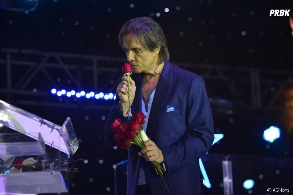 """No Grammy Latino 2013, a música """"Esse Cara Sou Eu"""", de Roberto Carlos, concorre ao prêmio de Canção Ano"""