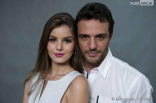 """Em """"Verdades Secretas"""", Angel (Camila Queiroz) e Alex (Rodrigo Lombardi) vão transar outra vez"""
