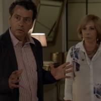 """Novela """"Babilônia"""": Laís (Luisa Arraes) cai em armação de Guto (Bruno Gissoni) e quase morre!"""