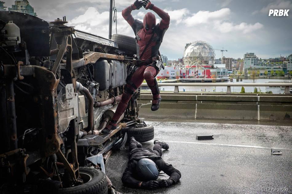 """Ryan Reynolds interpreta o protagonista, em """"Deadpool"""""""