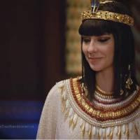 """Novela """"Os Dez Mandamentos"""": Nefertari diz que ama Moisés (Guilherme Winter) e hebreu fica assustado"""