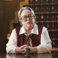 """Iris (Kathy Bates) aparece em fotos promocionais de """"American Horror Story: Hotel"""""""
