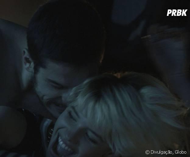 """Na novela """"A Regra do Jogo"""", Belisa (Bruna Linzmeyer) e Dante (Marco Pigossi) são namorados e vão protagonizar cenas quentes"""
