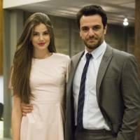 """Camila Queiroz, a Angel de """"Verdades Secretas"""", defende sua personagem: """"A culpa toda é do Alex"""""""