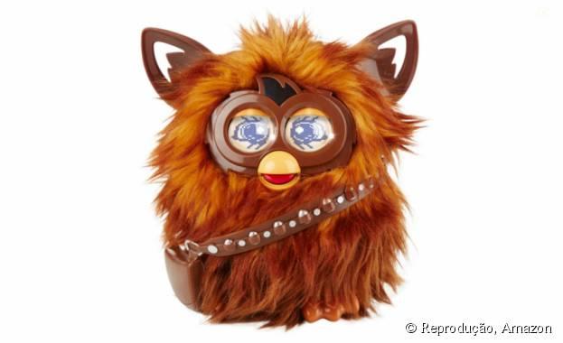 """Olha só oFurbacca, uma mistura do Furby, da Hasbro, e do Chewbacca para""""Star Wars II: O Despertar da Força"""""""
