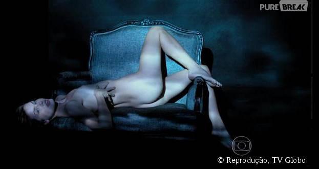 """Em """"Verdades Secretas"""", Camila Queiroz teve muitas cenas de nudez na pele de Angel"""