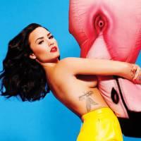 """Demi Lovato posa nua para revista, fala sobre Selena Gomez e Justin Bieber: """"Eu não o conheço bem!"""""""