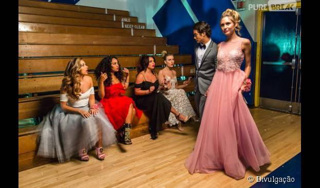 """Little Mix volta à escola para o clipe de """"Love Me Like You"""", inspirado numa temática dos anos 60"""