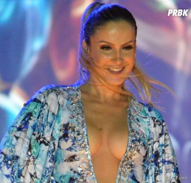 Claudia Leitte, Jennifer Lopez e Pitbull podem se unir para o tema da Copa do Mundo 2014