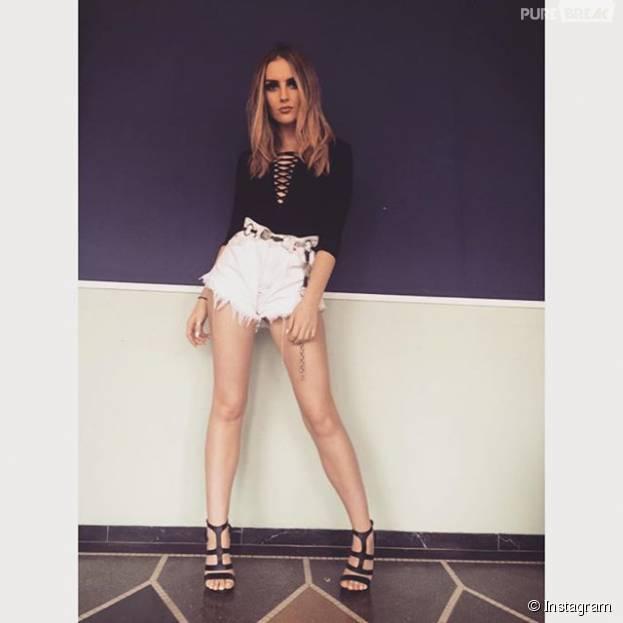 Perrie Edwards, vocalista do Little Mix, desfila looks de arrasar no Instagram