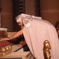 """Novela """"Os Dez Mandamentos"""": Moisés leva nona praga ao Egito e escuridão toma conta de tudo!"""