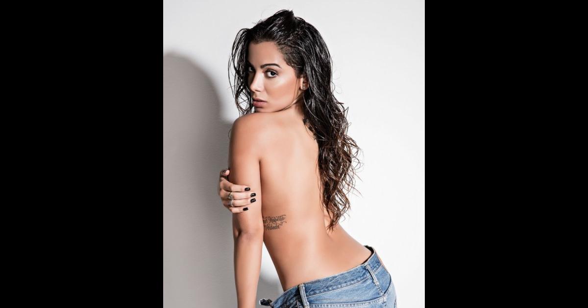 Anitta revela já ter feito sexo a três