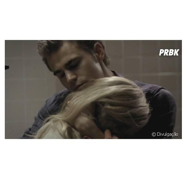 """Em """"The Vampire Diaries"""", veja possível motivo do término de Stefan (Paul Wesley) e Caroline (Candice Accola)!"""