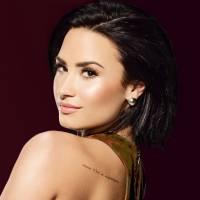 Demi Lovato responde fãs no Twitter e revela querer duetos com Ariana Grande e Christina Aguilera
