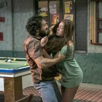 """Marina Ruy Barbosa, de """"Totalmente Demais"""", comenta cena em que Eliza é assediada por padrasto"""
