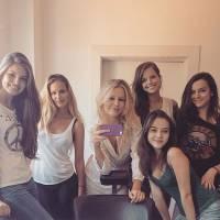 """De """"Verdades Secretas"""": Camila Queiroz e mais atrizes do elenco se reúnem em foto no Instagram!"""