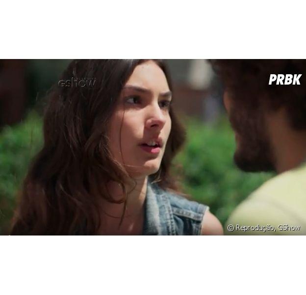 """Em """"Malhação"""", Luciana (Marina Moschen) interrompe beijo em Pedro (Enzo Romani) e diz que gosta de outra pessoa!"""