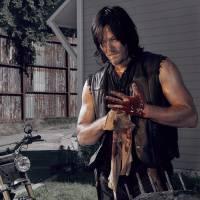 """De """"The Walking Dead"""": ator Norman Reedus (Daryl Dixon) é mordido por fã em convenção!"""