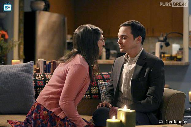 """Em """"The Big Bang Theory"""", Sheldon (Jim Parson) e Amy (Mayim Bialik) transam pela primeira vez!"""